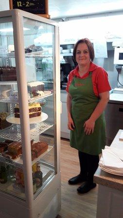 Bradford-on-Avon, UK: One of the lovely waitresses and the fabulous homemade cakes!