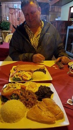 San Gerardo de Dota, Costa Rica: Huge Casado dishes for a very reasonable price!