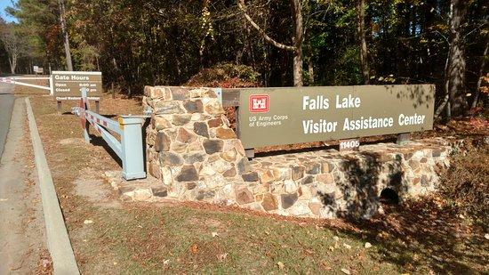 Wake Forest, Carolina del Norte: Entrance to Falls Lake Recreation Area