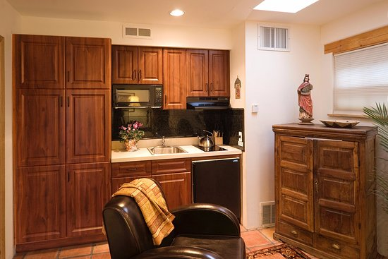 Alexander's Inn: The Casita kitchenette is handy for making coffee and preparing small meals.