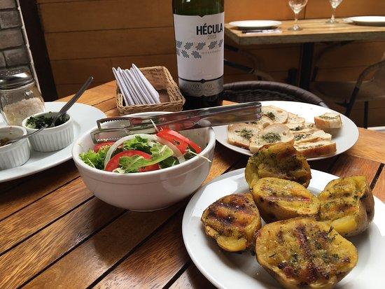 Gour Meat: Una comida muy rica y un servicio muy agradable y atento.