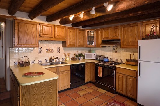 Alexander's Inn: The Pinon Casita has a large kitchen, perfect for preparing family meals.