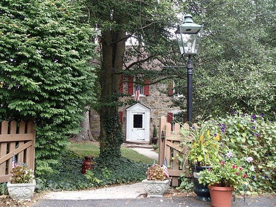 Oley, PA: Entrance to Mill Stone Bed and Breakfast