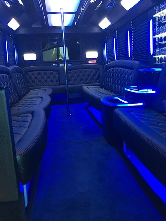 Temecula, Kaliforniya: Luxury limos and buses