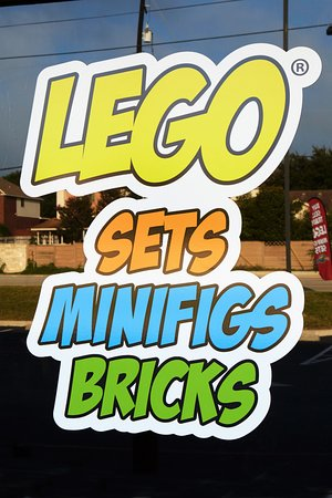 Buy Sell Trade LEGO® resale store - Picture of Bricks and Minifigs ...