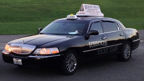 East Wenatchee, WA: Our flagship car, the first AC Checker Lincoln!