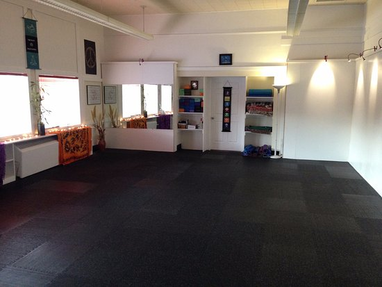 Lincoln City, OR: New Moon Yoga Studio