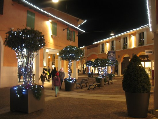 Outlet Village Mantova - Picture of Outlet Village Mantova, Bagnolo ...