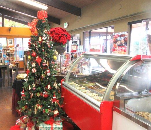 Christmas Tree, Bakery and Ice Cream Shop, Casa de Fruta, Hollister, CA