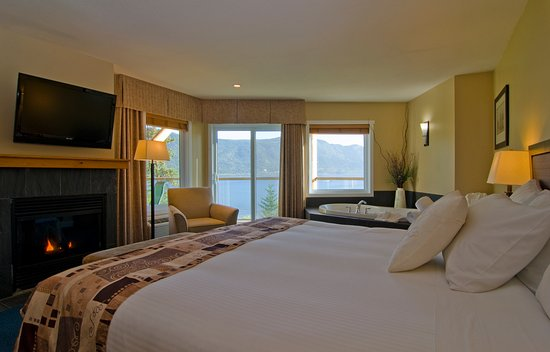 Chase, Kanada: All guestrooms have a private balcony or patio.