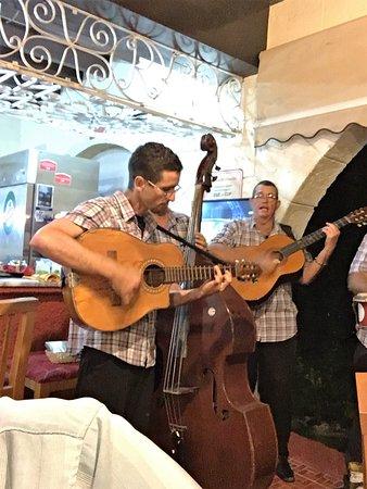 Barbacoa: Live Band