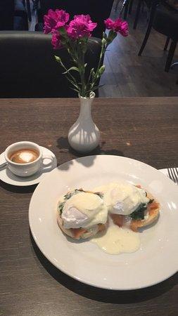 Oakmere Tea & Dining Room: Eggs royale