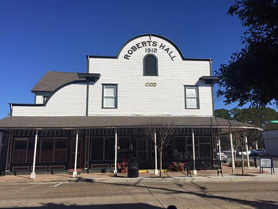 Americana Cafe Sundays are presented every Sunday at Historic Roberts Hall in Lynn Haven, Florid
