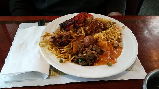 West Hartford, CT: Lunch Buffet