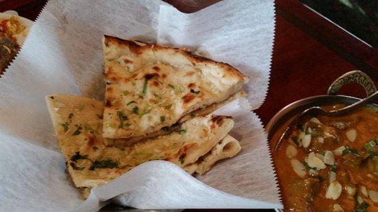 West Hartford, CT: Garlic Naan