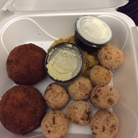 Overland Park, KS: On the left are the Bollitos de Papa Rellenos and front right are the Boliarepas.