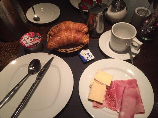 Glattbrugg, Zwitserland: ホテルの朝食です。