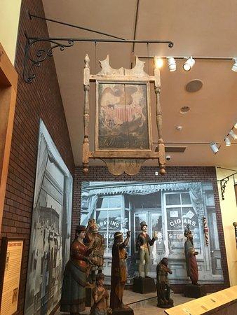 Abby Aldrich Rockefeller Folk Art Museum: Signage