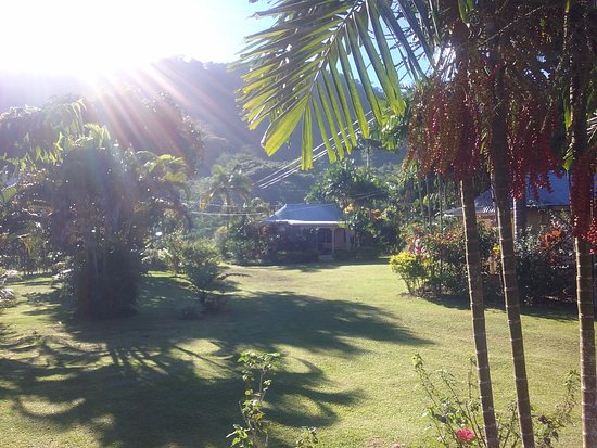 Talanoa Fales Accommodations: Quaint, Private, Beautiful and very clean fales. This is the view from outside Fale 5.