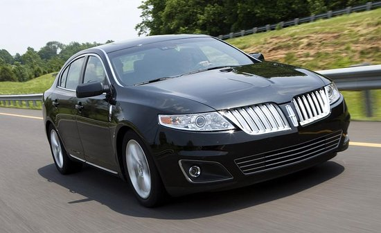 Dedham, MA: Ride in style with our luxury sedans that fots up to four people