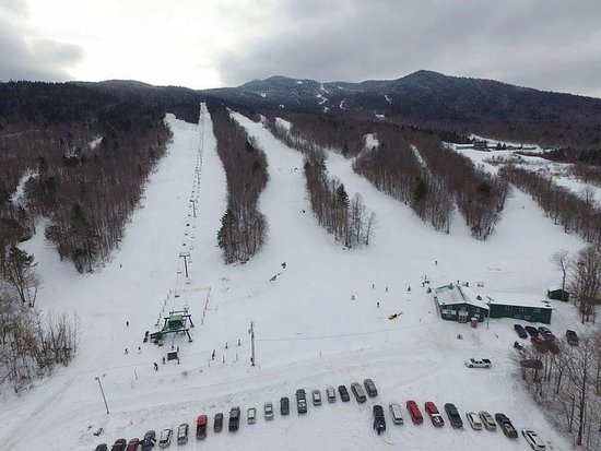 Dover Foxcroft, ME : Downhill skiing at Squaw Mountain in Greenville, 45 minute drive.