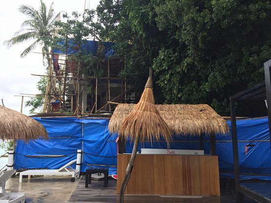 Spider House Resort: Avoid until construction works are complete.