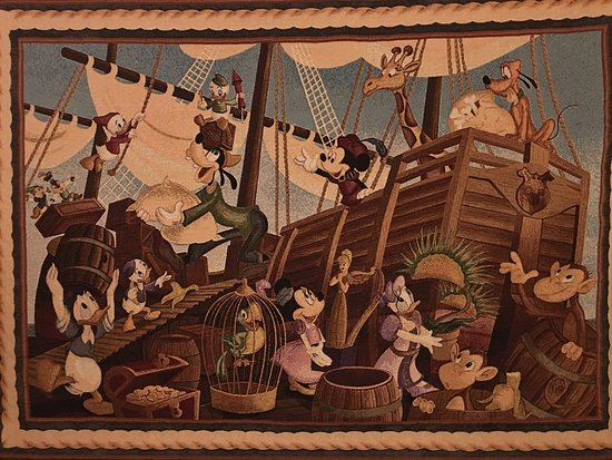 Tokyo DisneySea Hotel MiraCosta: 部屋の壁のタペストリー