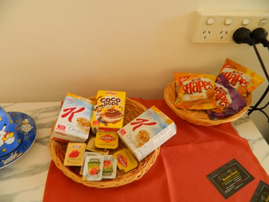 Beaufort House: Another standard continetial breakfast offering in the Motel rooms