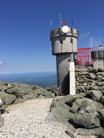 Mount Washington, NH: The observatory