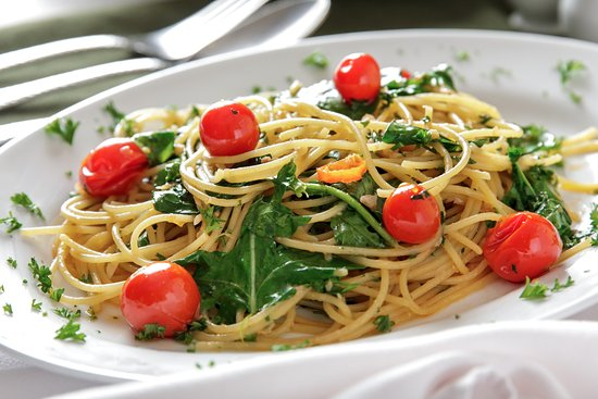 Massimo - Italian Restaurant: Spaghetti AOP pomodori e rucola
