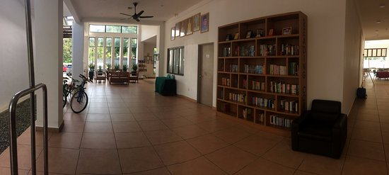 Bentong, Malaysia: Lobby and reading corner