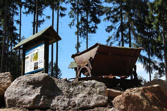 Parkstein, Germany: GEO-Erlebnisweg Weißenstadt - Auf den Spuren des Zinnbergbaus am Rudolfstein