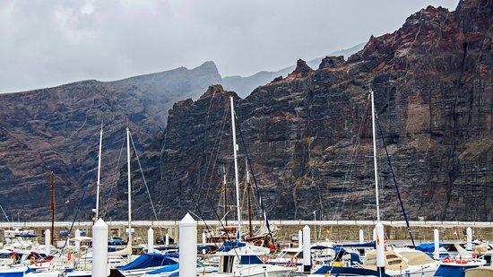 Los Gigantes, Spagna: скалы Лос Гигантес