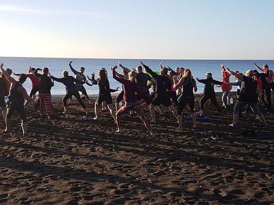 Tuineje, España: Qi gong at the beach