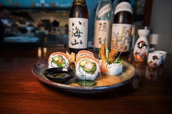 Huskisson, Australia: Hoso Maki Salmon roll with spicy miso mayo