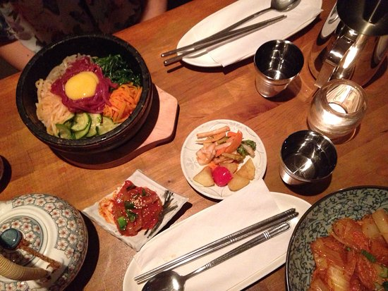 Tohbang: Green tea ice cream, tea, other dishes