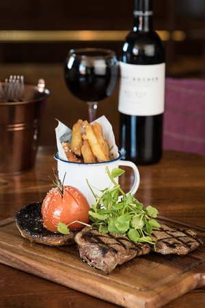 Boat of Garten, UK: Steak and Wine Special