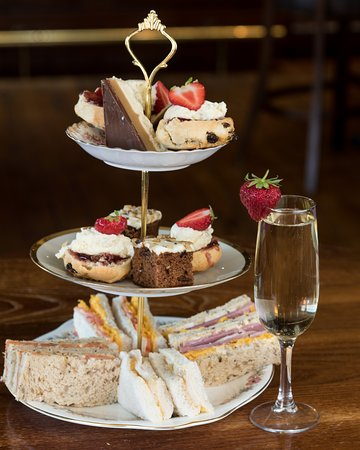 Boat of Garten, UK: A Bubbly Afternoon Tea