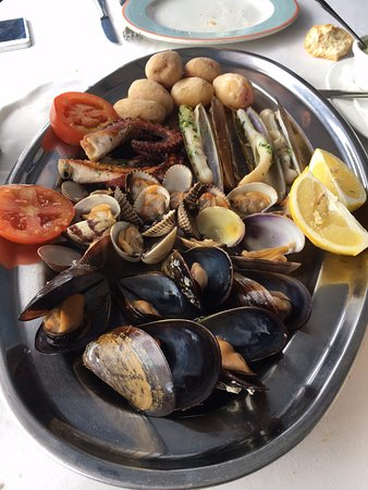 El Golfo, Spanien: Sea food mix and match appetizer