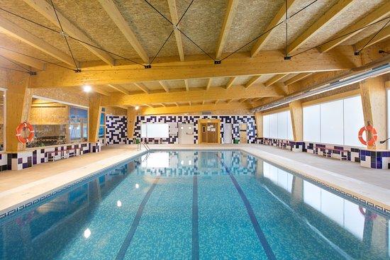 Palm beach hotel hk 753 h k 8 9 4 updated 2018 for Piscina climatizada