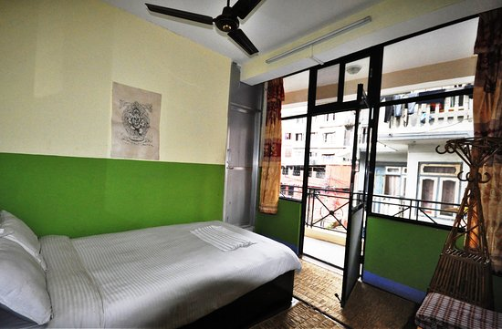 Metro Eco Hotel: Room with view of city yard and nice chilling out from own balcony