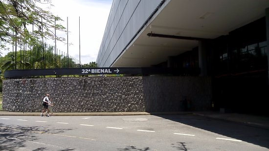 Ciccillo Matarazzo Pavilion : Entrada da Bienal.