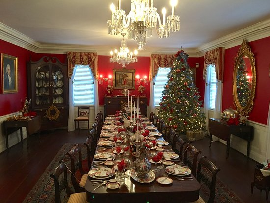 Georgetown, SC: Kaminski House Museum decked out for the holidays. Local designers decorate the rooms of the hou