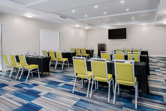 Round Rock, TX: 1200 sq. ft. meeting room set classroom style
