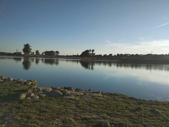 Brozas, Spain: Vista de la Laguna al atardecer