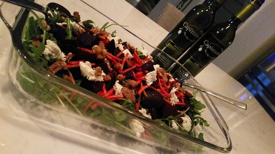 Pawcatuck, คอนเน็กติกัต: From South Carolina: Beet, Arugula, Goats Cheese Salad with UP EVOO and Aged Balsamic Vinegar