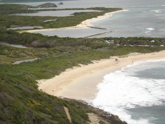 Saint François, Guadalupe: les plage vue de la croix