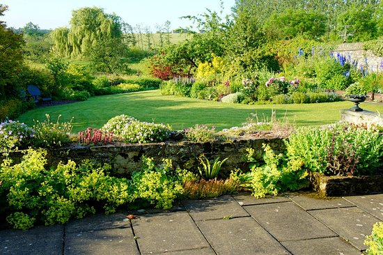 Kelso, UK: Hotel garden and grounds
