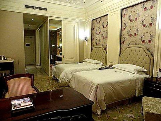 Foto Dragon Lake Princess Hotel