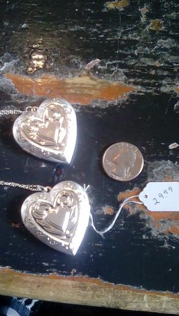 Point Roberts, Ουάσιγκτον: Sterling Silver lockets $24.99 Handmade soap 4 for $20 Clothes, Italian groceries, teas. toys, &